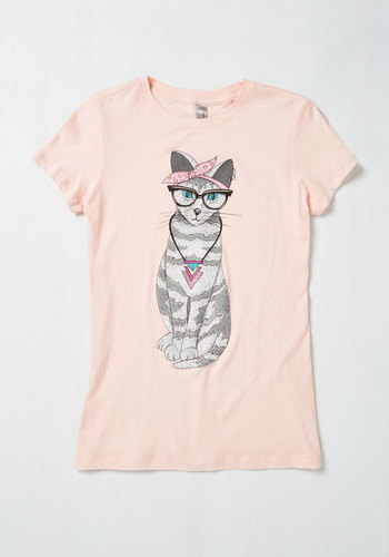 Downtown Tabby Graphic Tee
