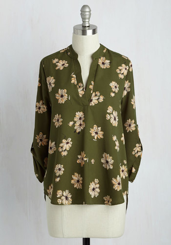 Office Politic Top in Olive Floral