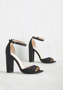 Stay on Pointe Heel in Noir