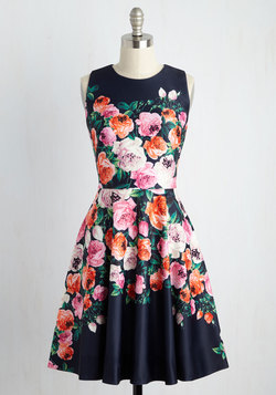 Back and Forte Floral Dress