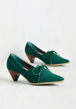 Exam Day Elegance Heel in Emerald