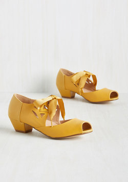 Major Motion Picturesque Peep Toe Heel in Sunflower