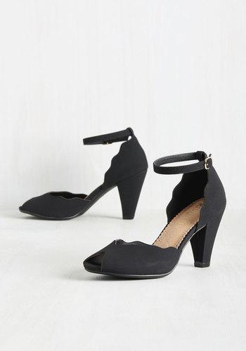 1930s Style Shoes Wave Some for Me Heel in Black $64.99 AT vintagedancer.com