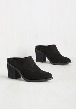 Try It, Mule Love It Heel in Black
