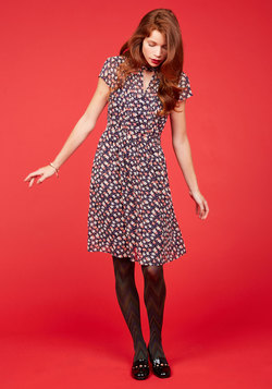 Oh Say Can Museum Floral Dress in Navy Bloom