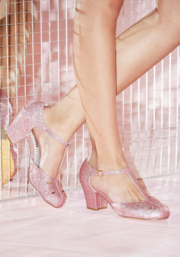 1930s Style Shoes Shimmer Down Now Heel in Rose Glitter $68.99 AT vintagedancer.com