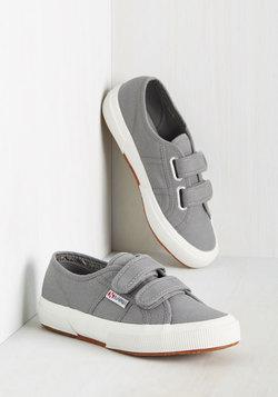 If You Got It, Jaunt It Sneaker in Fog