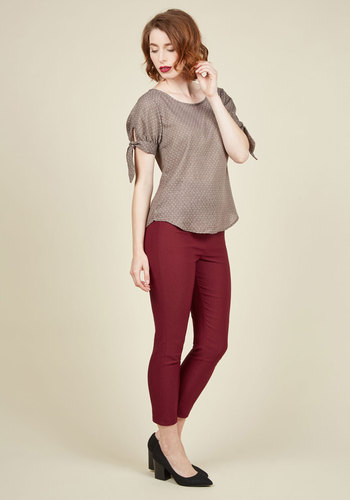 A Chic Start Pants in Maroon