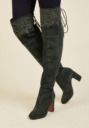 Ennoble Elegance Leather Boots