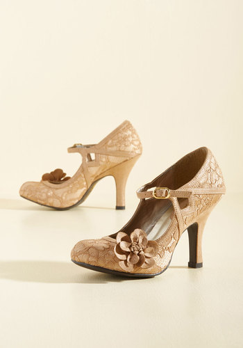 What Did Women Wear in the 1950s? Next Door Caper Mary Jane Heel $79.99 AT vintagedancer.com