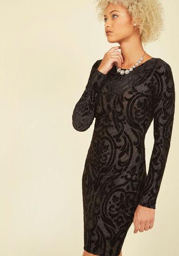 Socialite-Hearted Velvet Dress