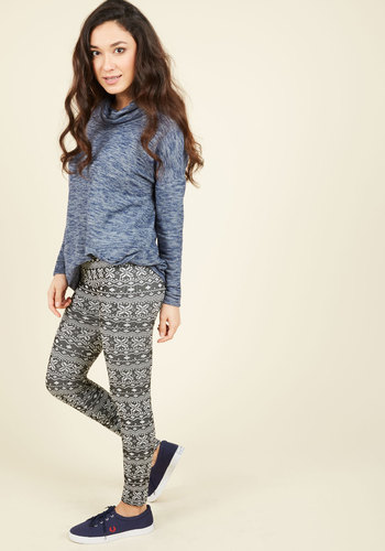 Heed Your Warming Fleece-Lined Leggings in Fair Isle