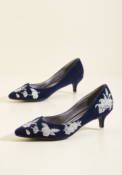 Verified Vogue Velvet Heel in Sapphire