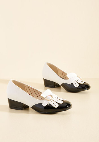 1930s Style Shoes Eclectic Class Heel in Black $74.99 AT vintagedancer.com