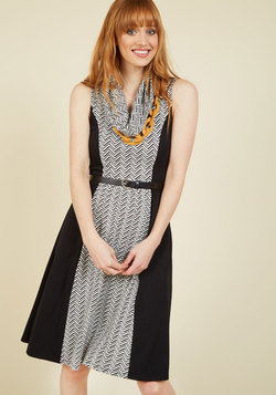 Standing at the Edgy Jersey Dress in Black Chevron