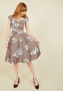 Pine All Mine Midi Dress in Illustrated Roses