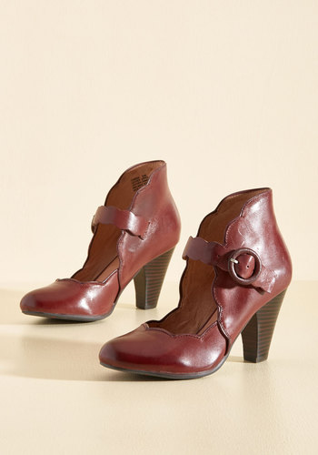 1940s Style Shoes Day Train Leather Heel in Crimson $139.99 AT vintagedancer.com