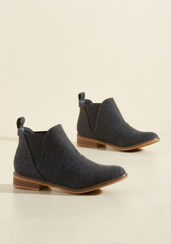 Used Book Browsing Booties in Charcoal