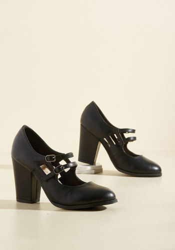 1920s Style Shoes Uplift the Curtain Heel in Black $64.99 AT vintagedancer.com