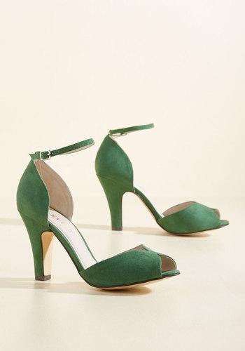 1960s Style Shoes Fine Dining Heel in Emerald $69.99 AT vintagedancer.com