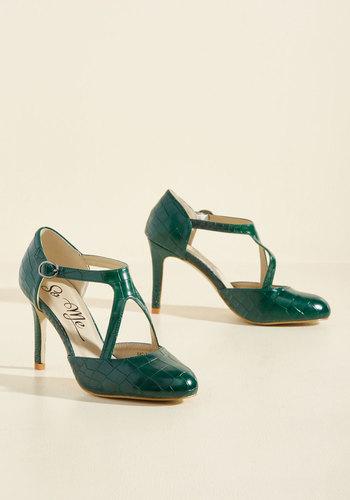 1930s Style Shoes Rock the Dance Floor Heel in Forest $39.99 AT vintagedancer.com