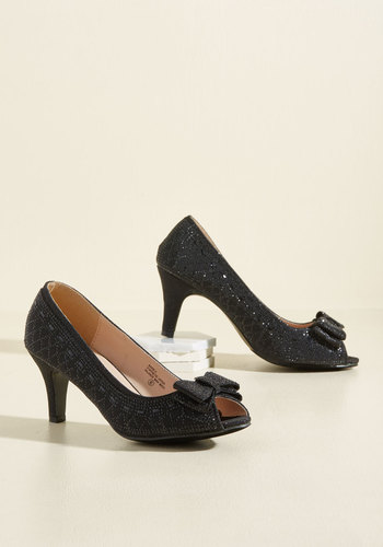 1950s Style Shoes All That Dazzle Heel in Noir $44.99 AT vintagedancer.com