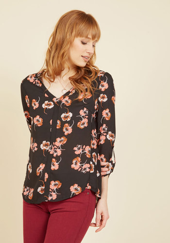 A Yard Day's Night Floral Top
