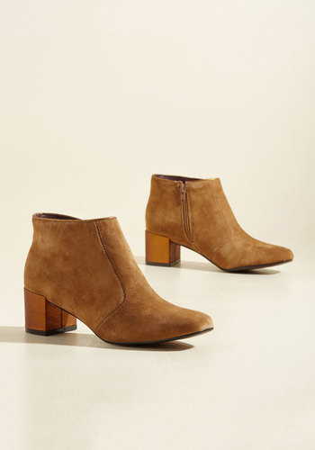 You Grew My Mind Suede Booties in Fawn
