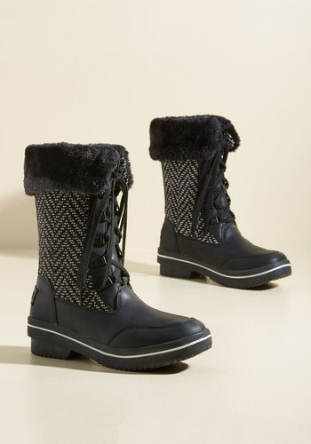 Ski-Spirited Charm Boots in Black Herringbone