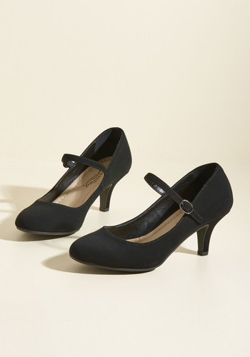 1920s Style Shoes Whats on Tap Today Heel $39.99 AT vintagedancer.com