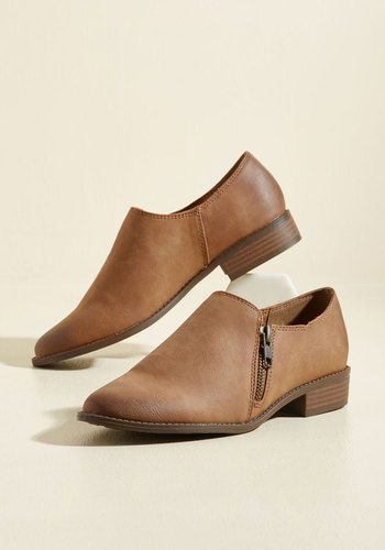 She Shoes, She Scores! Booties in Tawny