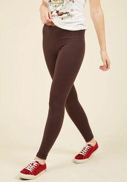 Simple and Sleek Leggings in Mocha