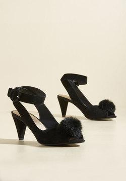 Seduce Suede Heel in Noir