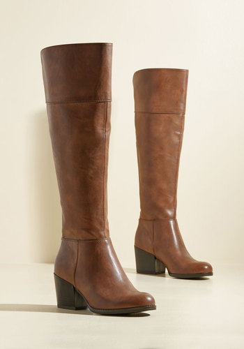 Good News and Bold News Boots in Brown