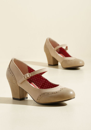 1920s Style Shoes Treat Your Feet Heel $71.99 AT vintagedancer.com