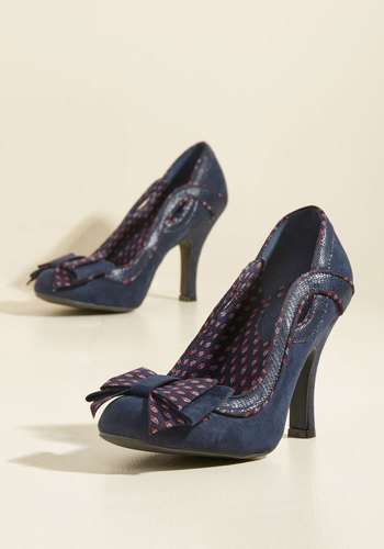 1940s Style Shoes Bow Where the Wind Blows Heel in Navy $72.99 AT vintagedancer.com