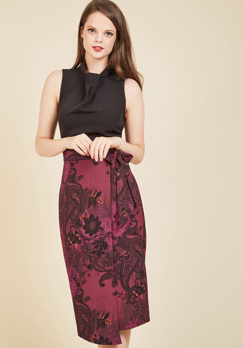 Sleek Supervisor Sheath Dress in Paisley by Closet London - Woven, Red, Black, Paisley, Party, Work, Cocktail, Twofer, Sleeveless, Fall, Winter, Mid-length, Best, Mockneck, Holiday Party, Saturated
