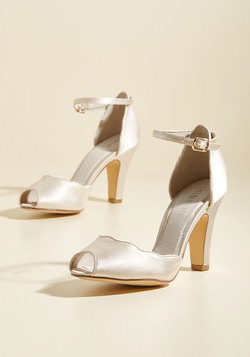 Scallop Your Alley Peep Toe Heel in Ivory