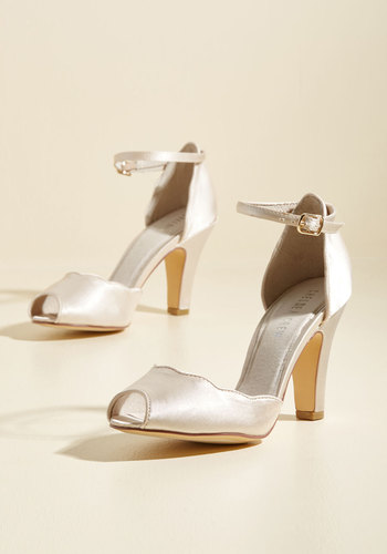 1930s Style Wedding Dresses Scallop Your Alley Heel in Ivory $67.99 AT vintagedancer.com