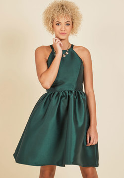 Fleurs Truly Fit and Flare Dress in Forest