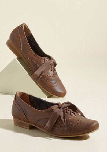 Retro Vintage Flats and Low Heel Shoes Dapper Days Flat in Chocolate $39.99 AT vintagedancer.com