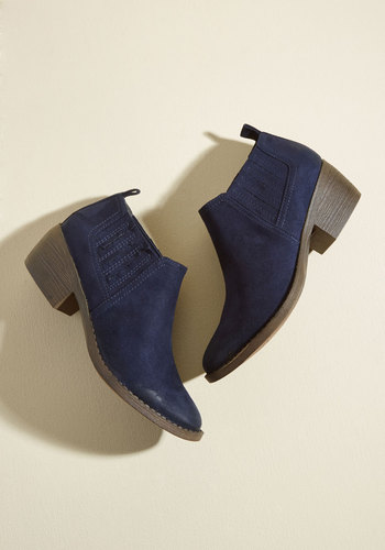 Stroll With the Punches Booties in Navy