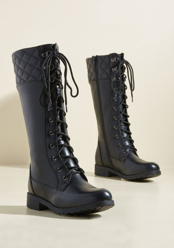 Quest Foot Forward Boots in Licorice