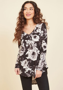 Embracing Basic Long Sleeve Top in Black Roses