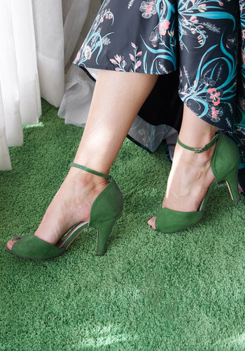 1950s Style Shoes Fine Dining Heel in Emerald $69.99 AT vintagedancer.com