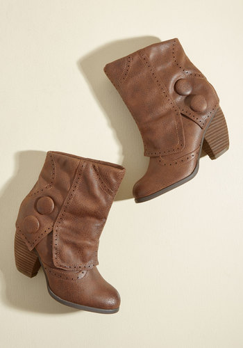 Faithful Footsteps Booties in Chocolate