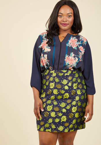 Podcast Co-Host Top in Navy Floral