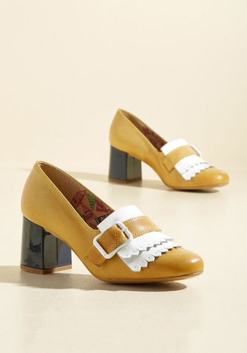 1960s Style Shoes Traveling Art Exhibition Leather Heel $164.99 AT vintagedancer.com