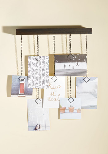 Get the Hang of Decorating Photo Display