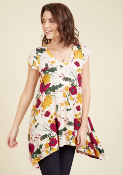 A Crush on Casual Tunic in Retro Blooms